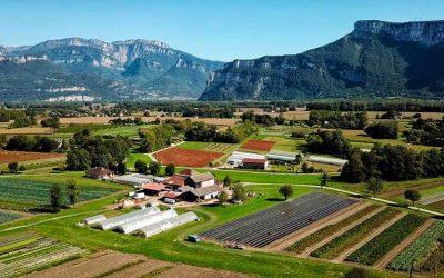 Images aériennes avec un drone d'une exploitation agricole à Moirans