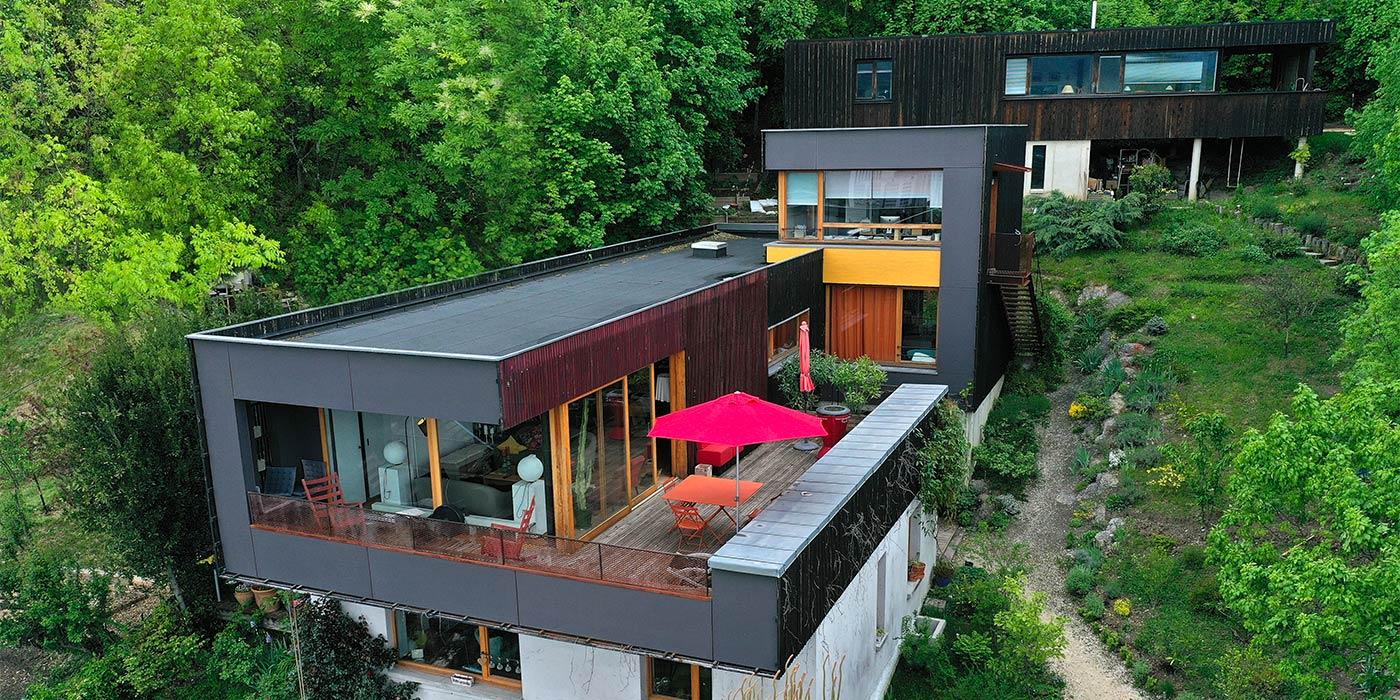 maison-noire-drone-immobilier